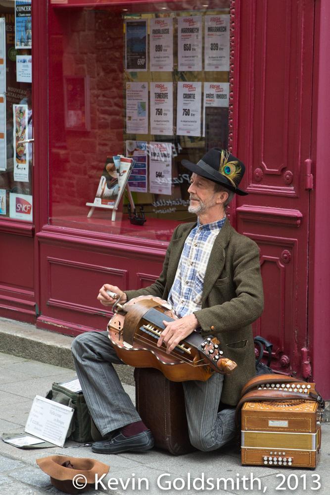 street musician, Dinan