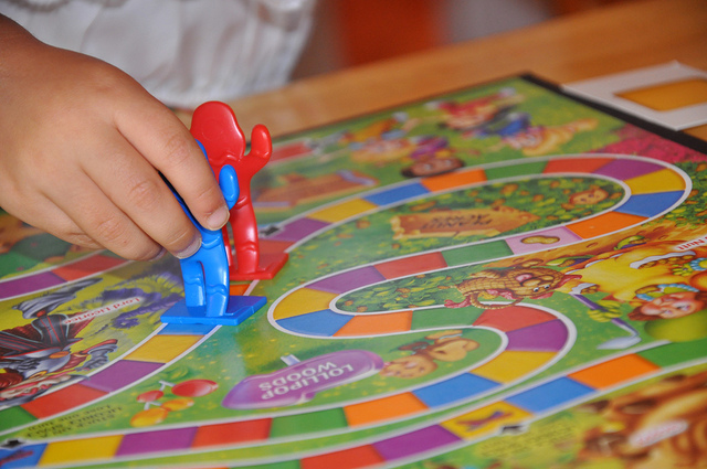 A child playing Candyland